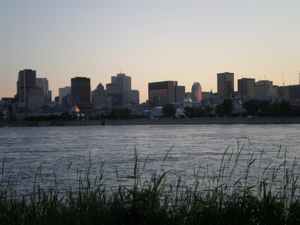 Skyline...parc Jean Drapeau (maire de Montréal dans les années 50)