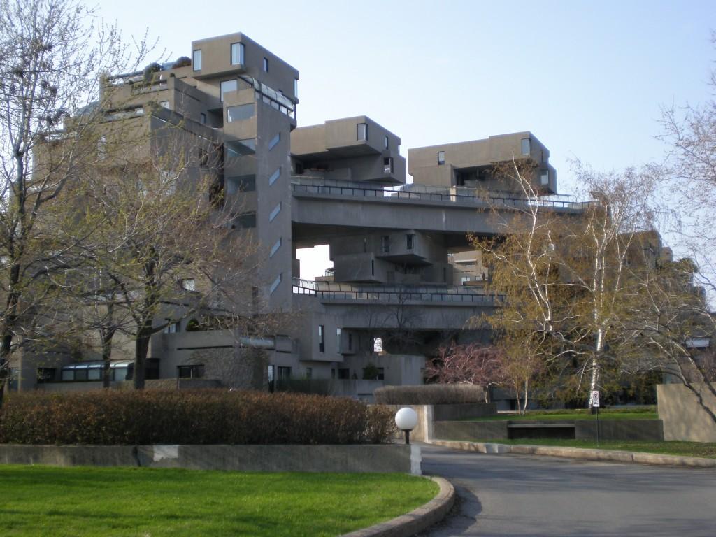 Habitat 67, où un Rubik's cube décomposé